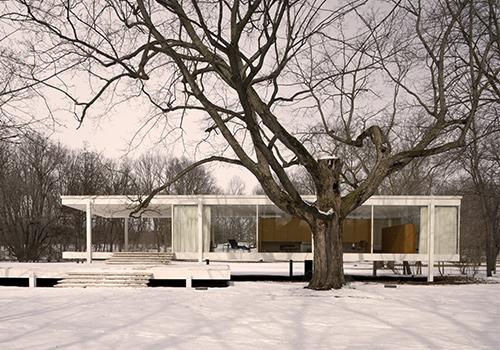 Bauhaus designer Ludwig Mies van der Rohe's Farnsworth House in Plano, Illinois