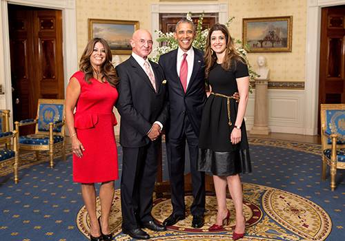 Dr. Patricia Ramos in the White House with Luis Echarte, CEO of Azteca America Spanish Language channel, President Obama and Nathalie Rayes, SMC alumna